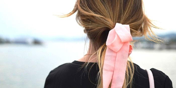 Le retour en force des accessoires cheveux !