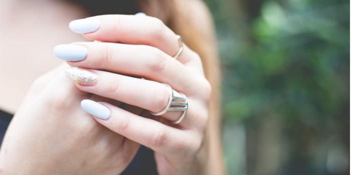 Les ongles en amande : la tendance beauté 2019
