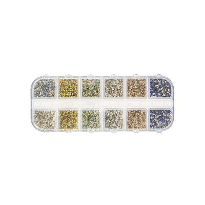 Strass nail art White & Gold