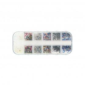 Strass nail art colorés