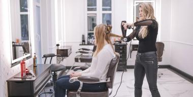 Comment bien choisir son fauteuil de coiffure ?