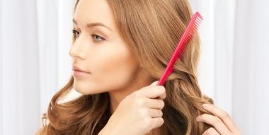 Tous les conseils pour bien choisir sa brosse à cheveux