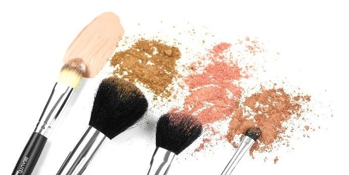 Equipez votre Make-up bar avec les pinceaux de maquillage Beautélive